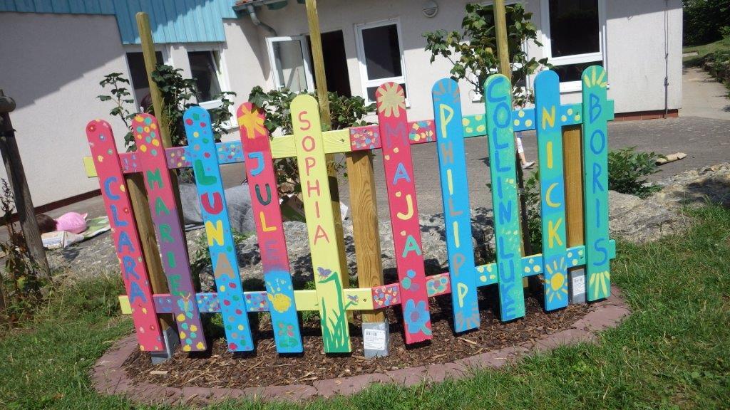 Kindergarten bekommt ein geschenk ev kirchengemeinde wallroth breitenbach kressenbach - Geschenkideen erzieherin ...